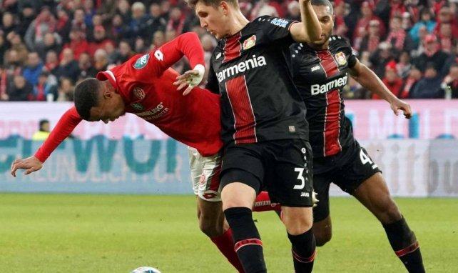 Panagiotis Retsos avec le Bayer Leverkusen