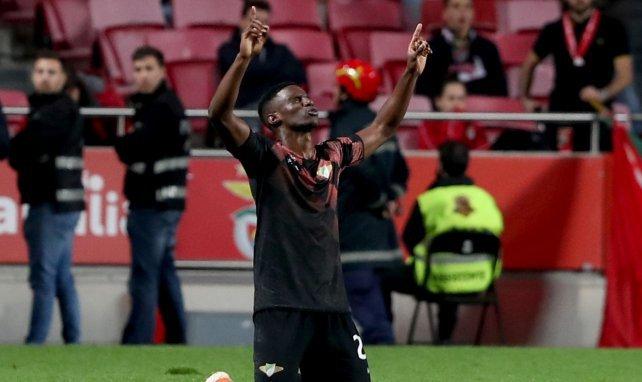 Fabio Abreu, qui célèbre ici un but contre Benfica, plaît à Nice