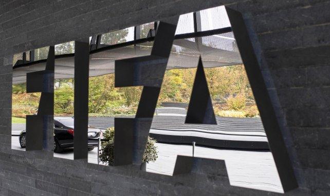 La FIFA lève l'interdiction de recrutement d'Angers et du Paris FC