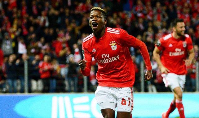 Florentino Luis célèbre un but inscrit avec Benfica