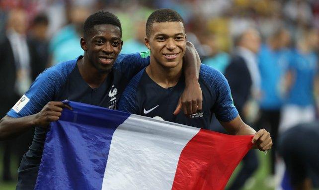 Dembélé et Mbappé lors de la remise des récompenses de la finale de la Coupe du monde