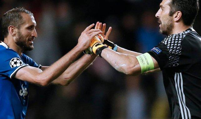 Juventus : Gianluigi Buffon devient le joueur le plus capé de Serie A