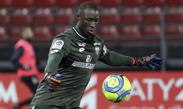 Le Stade Rennais s'offre Alfred Gomis