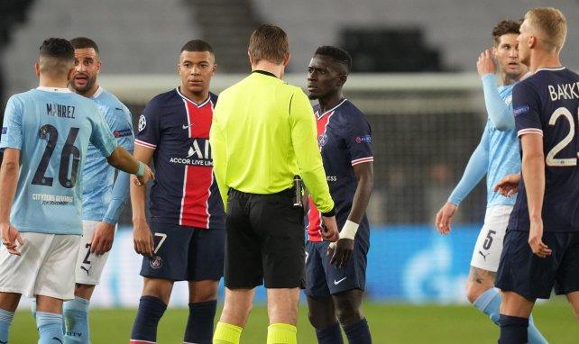 Idrissa Gueye expulsé contre Manchester City