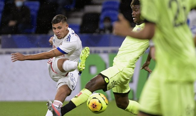 Bruno Guimarães face à Dijon