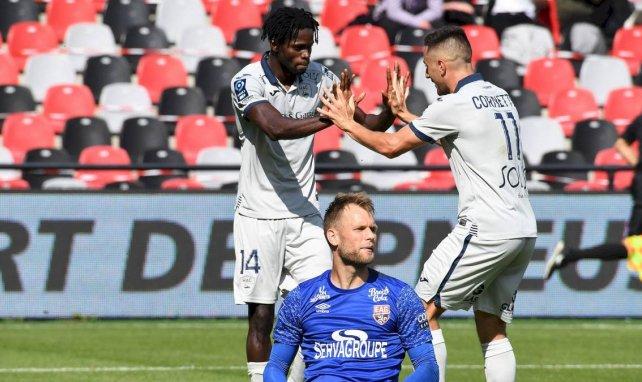 Jamal Thiaré et Quentin Cornette célébrent un but avec Le Havre contre Guingamp