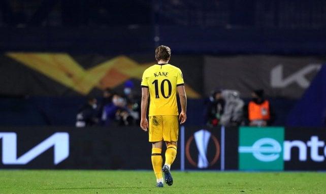 Mercato, Tottenham : Harry Kane persiste et signe