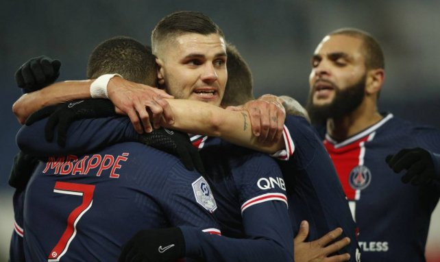 Mauro Icardi, félicité par ses partenaires après son but face à Brest
