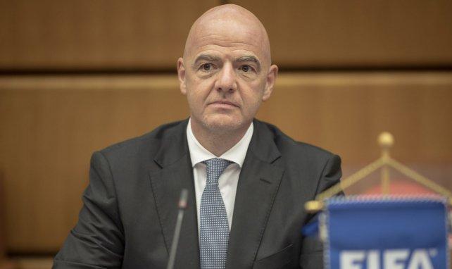 Gianni Infantino apporte son soutien à l'UEFA et fustige la Super League