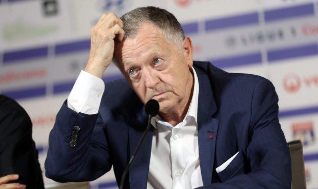 Jean Michel Aulas lors d'une conférence de presse