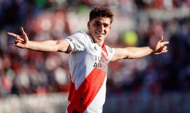 Julian Alvarez, la dernière sensation de River Plate en route pour l'Europe