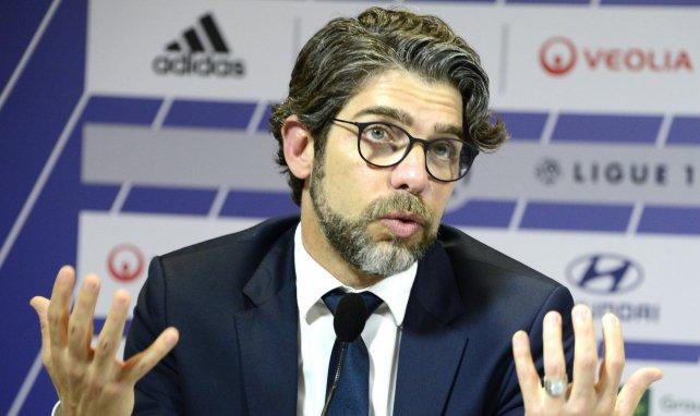 Juninho lors d'une conférence de presse de l'OL