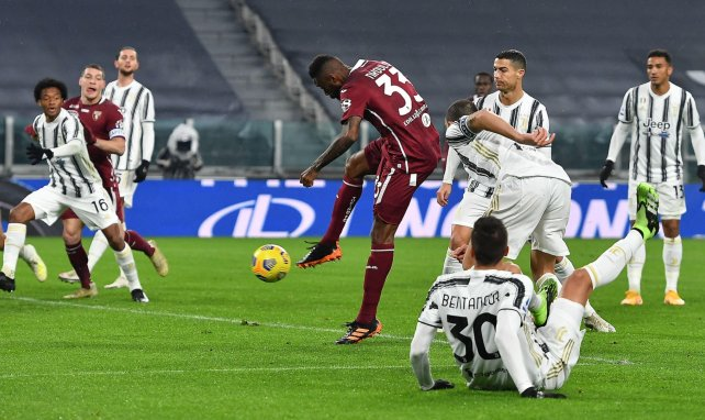 Nicolas N'Koulou lors d'un derby contre la Juventus