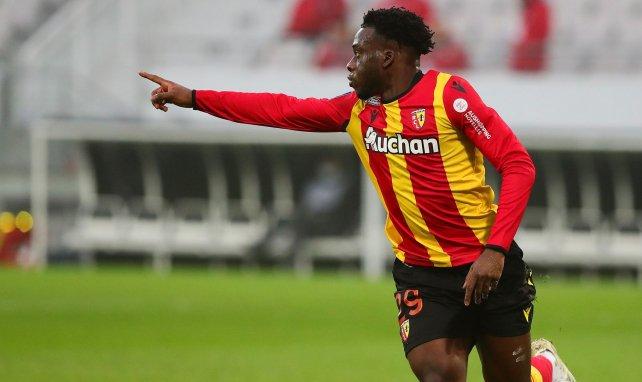 Ligue 1 : le RC Lens ne tremble pas contre Lorient et consolide sa 5e place, l'ASSE renverse Bordeaux
