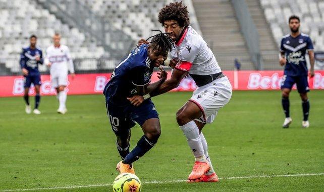 Samuel Kalu ici en action face à Dante (OGC Nice)