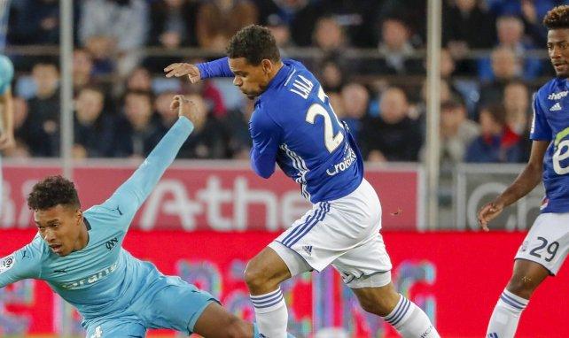 Kenny Lala à la lutte avec Boubacar Kamara en Ligue 1
