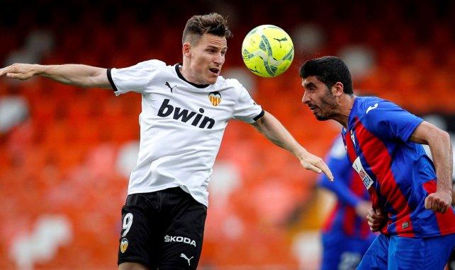 Kevin Gameiro en action avec le Valencia CF