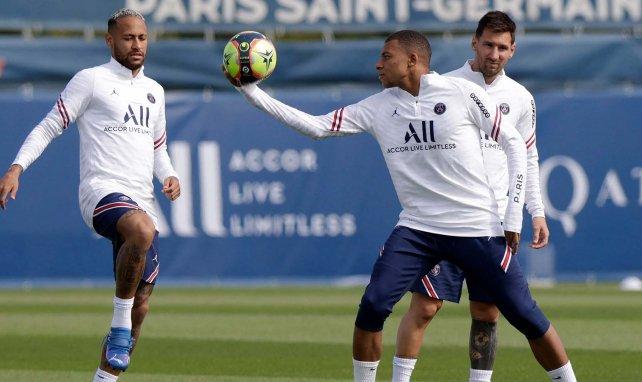 Le groupe du PSG avec Kylian Mbappé pour le choc face à l'OL