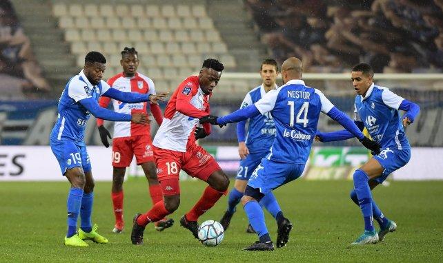 Grenoble - USL Dunkerque, au stade des Alpes