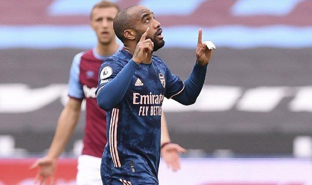 Alexandre Lacazette après un but avec Arsenal