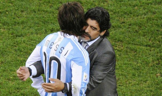 Diego Maradona se range derrière Lionel Messi face au Barça