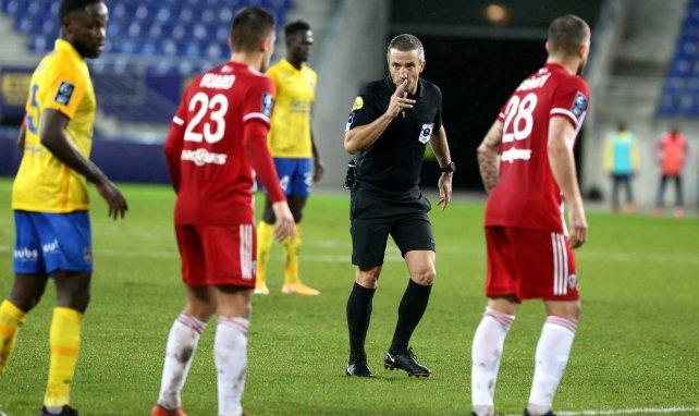 L'assistance vidéo en Ligue 2, ce n'est pas pour tout de suite