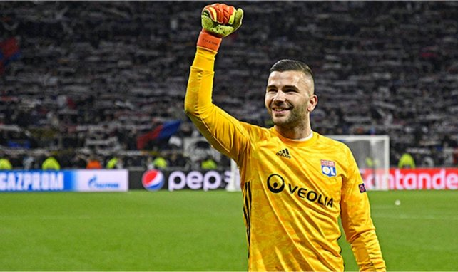 Anthony Lopes lors d'un match de l'OL