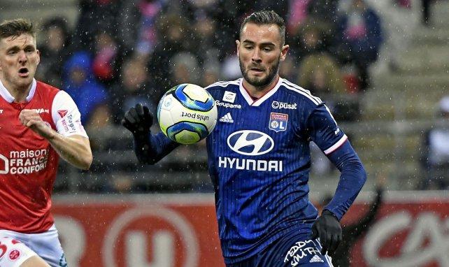 Lucas Tousart en plein match de Ligue 1 avec l'OL