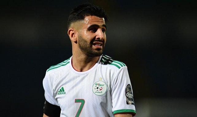 Riyad Mahrez pendant un match de la sélection