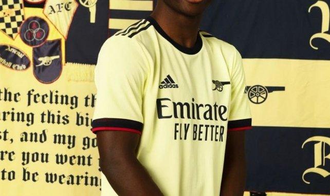 Arsenal présente son maillot extérieur pour la saison 2021-2022 !