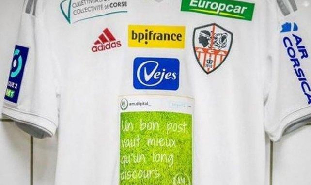 L'AC Ajaccio dévoile un nouveau maillot inédit !