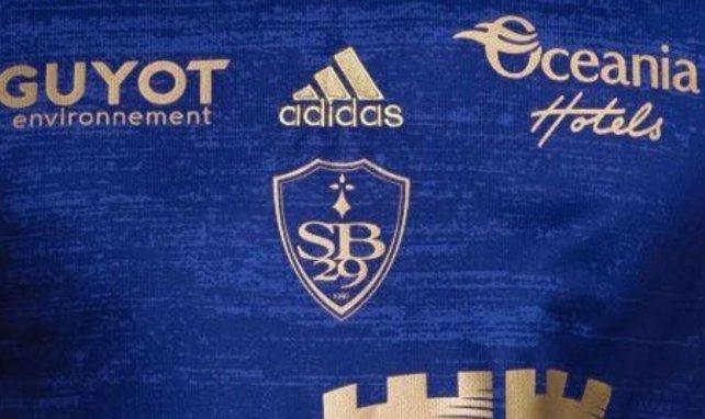 Le Stade Brestois 29 dévoile son maillot extérieur