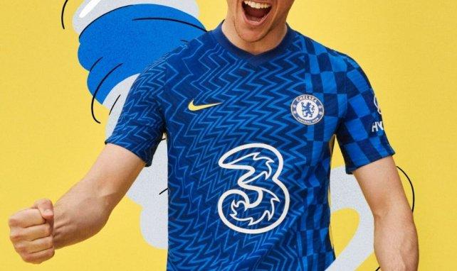 Chelsea dévoile son maillot domicile pour la saison 2021-2022