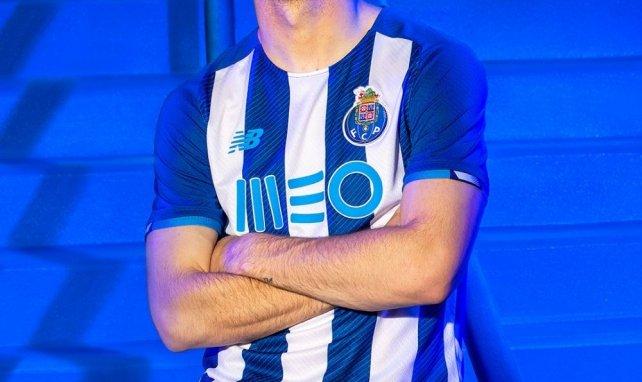 Le FC Porto dévoile son maillot domicile pour la saison 2021-2022 !