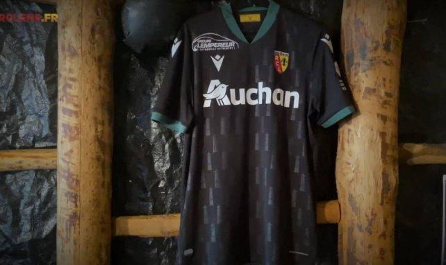 Le nouveau maillot extérieur du RC Lens pour la saison 2020/2021