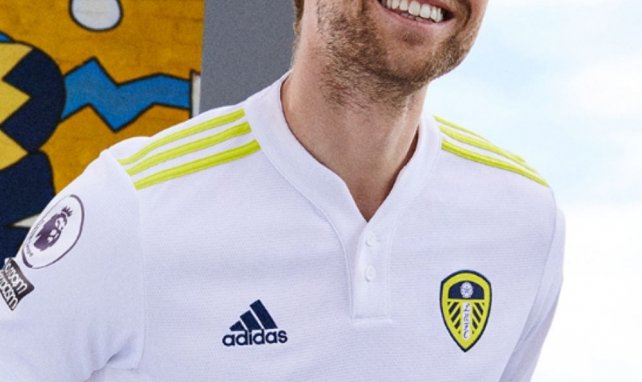 Leeds United présente son nouveau maillot domicile avec adidas