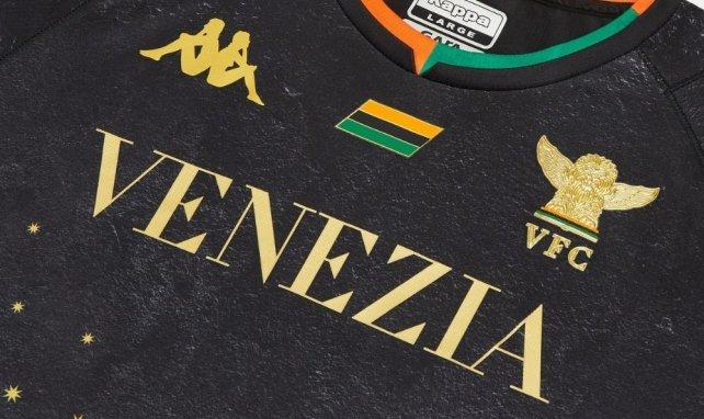 Kappa dévoile un sublime maillot domicile pour le FC Venezia
