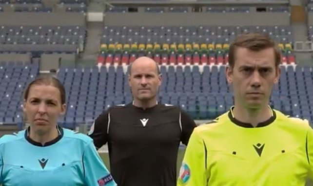 Macron dévoile les tenues des arbitres pour l'Euro 2020