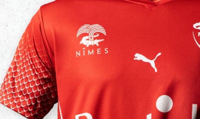 Le Nîmes Olympique présente ses nouveaux maillots pour 2020/2021