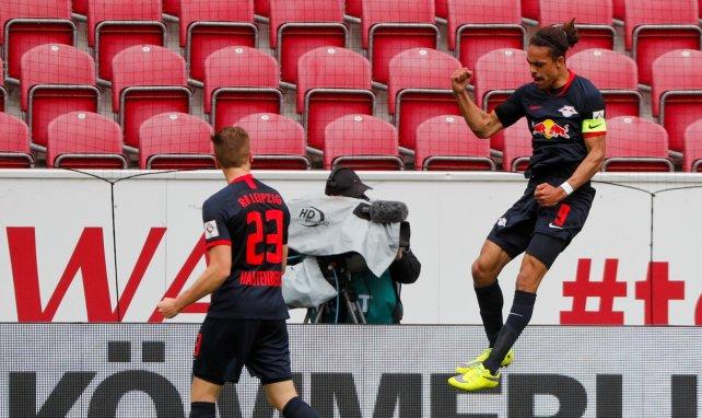 Yussuf Poulsen célèbre un but avec le RB Leipzig