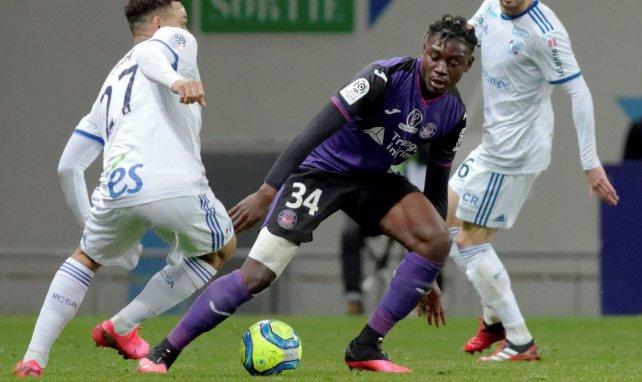 Mercato : Leeds United se penche sur le Toulousain Manu Koné