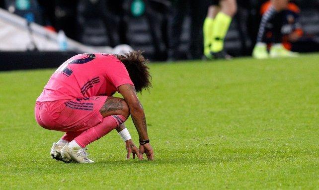 Marcelo, tête basse, sous le maillot du Real Madrid