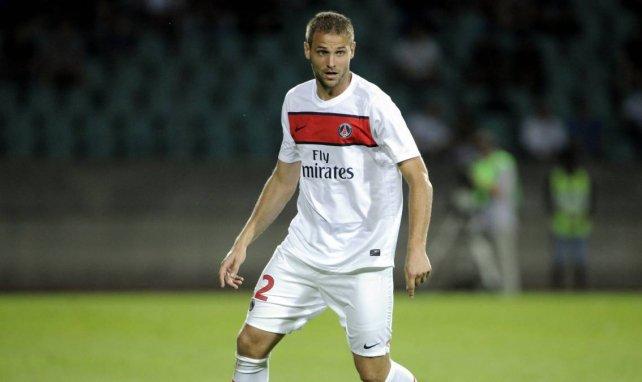 Mathieu Bodmer lors d'un match du PSG en Ligue Europa