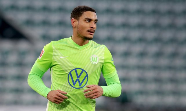 Wolfsburg retient Maxence Lacroix