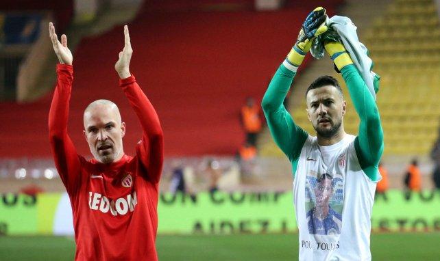 Andrea Raggi et et Danijel Subašić saluent le public après Monaco-Montpellier en 2018