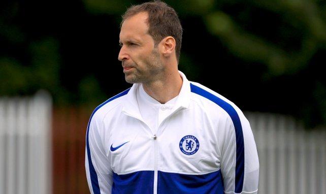 Vidéo : Petr Cech toujours affuté à l'entraînement de Chelsea