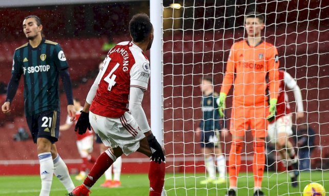 Pierre-Emerick Aubameyang célèbre son but contre Leeds United