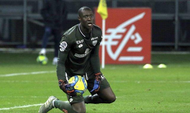 Le Stade Rennais songerait au gardien dijonnais Alfred Gomis