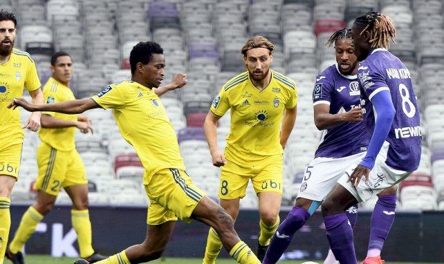 Ligue 2 : Toulouse loupe le coche contre Pau, Clermont sent l'odeur de la Ligue 1