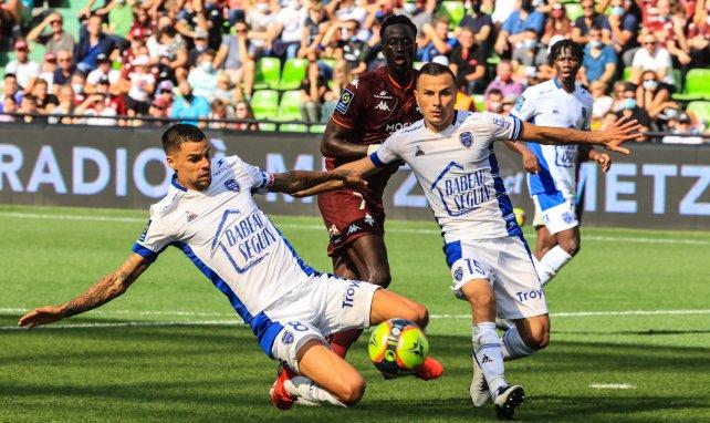 Troyes : rupture du ligament croisé antérieur du genou gauche pour Karim Azamoum